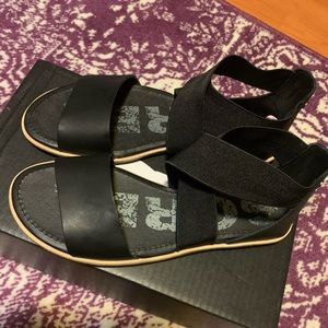 Sorel Ella Leather Sandal NWB size 8.5